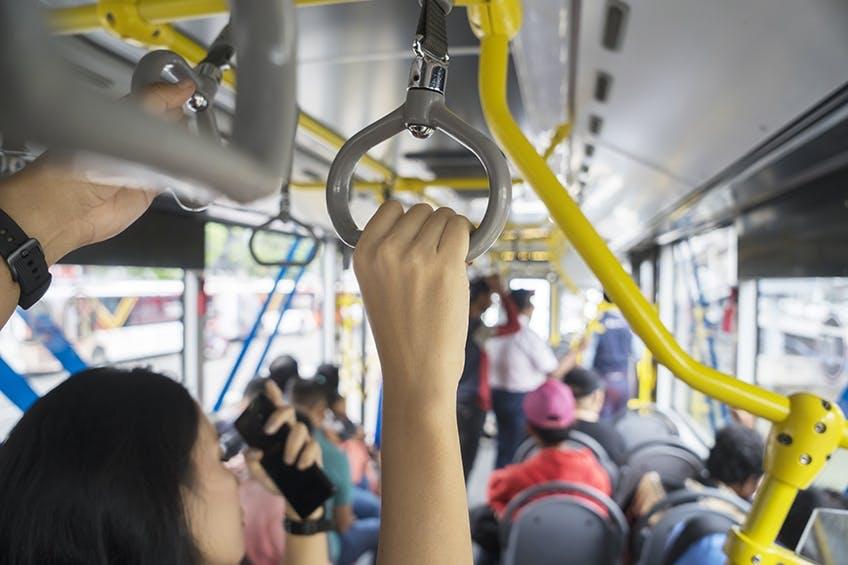 Mode de vie urbain : les essentiels immunitaires pour les citadins et les navetteurs