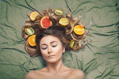 Comment retrouver des cheveux sains après votre séjour forcé à la maison sans en prendre vraiment soin!