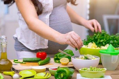 Acide folique ou folate. Lequel est le meilleur complément quand on veut fonder une famille et pour favoriser une grossesse saine?